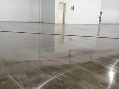 硬化耐磨地坪施工